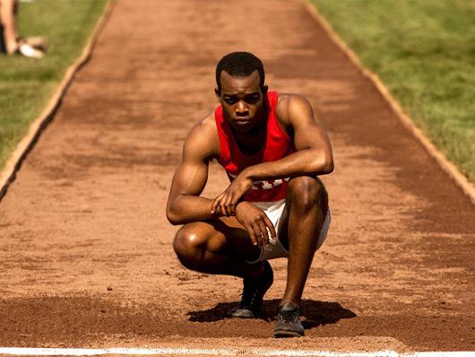 La historia de Jesse Owens nos llegará en marzo con 'Race, el héroe de Berlín'