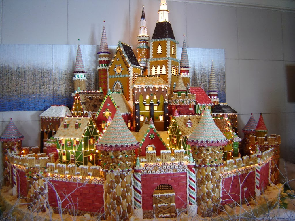 Simply Creative: Gorgeous Gingerbread Houses