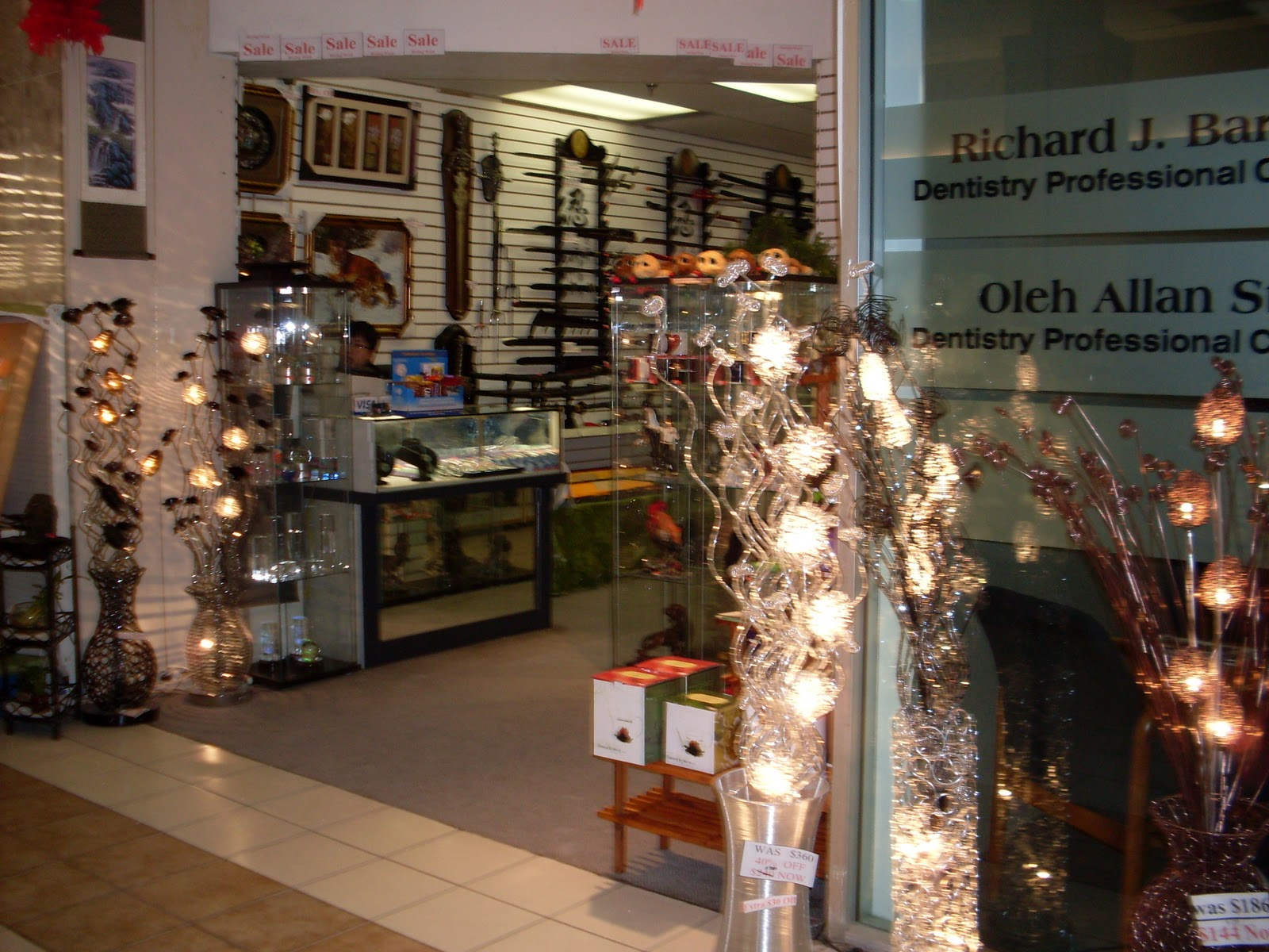 Igc entertainment canada c c arts glitter lamps st for Finesse interior design home decor st catharines on
