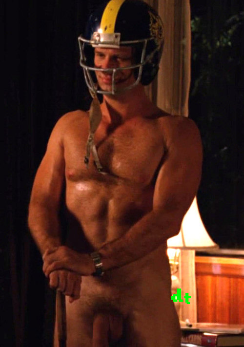 Actor Thomas Jane Went Full Frontal on HBO's HUNG!