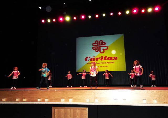 Gala benéfica Siero Baila por Cáritas baile moderno niños