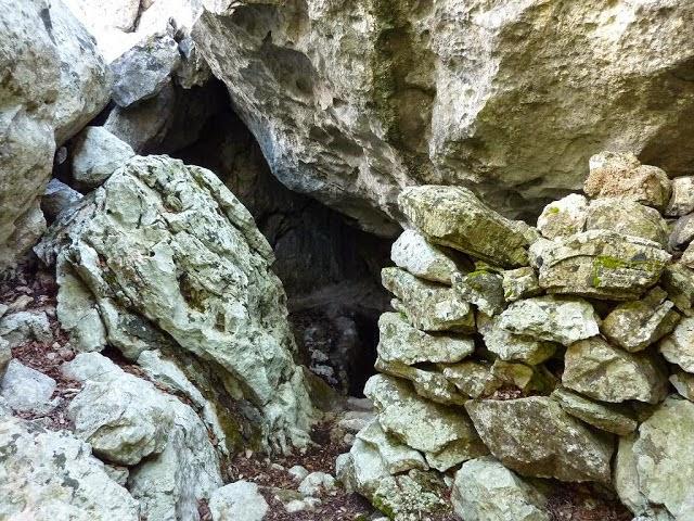 Cova dels Ermassets,