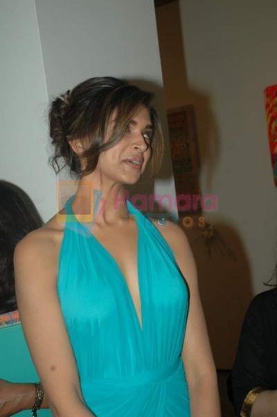 hot deepika padukone indian actress 2012