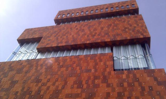04-Museum-aan-de-Stroom-by-Neutelings-Riedijk-Architects
