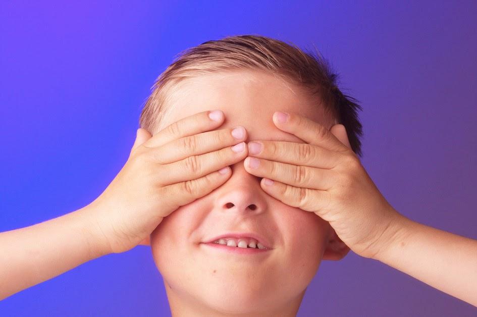 Como librarse del hinchazón ante los ojos después del golpe
