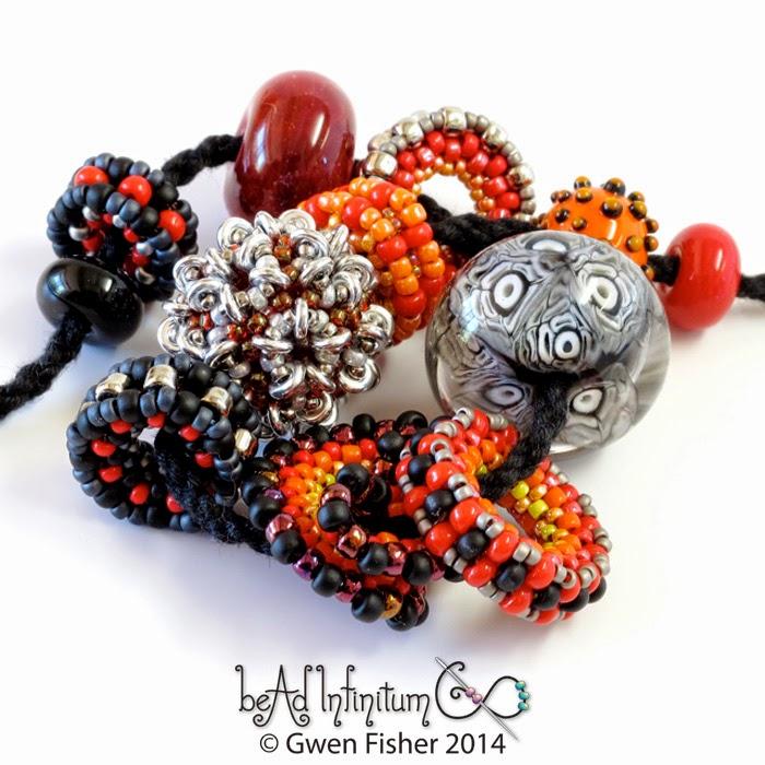 beaded bead necklace