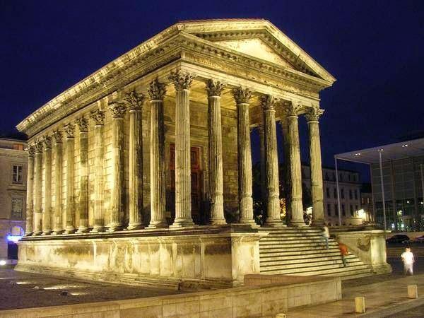 Todos los caminos llevan a roma el arte romano for Maison de la literie nimes