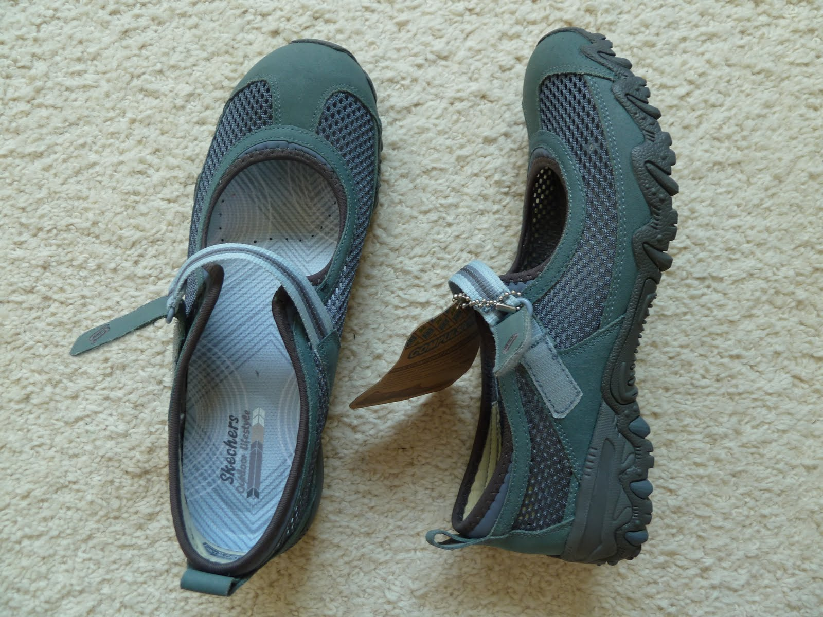 skor för hallux valgus fötter