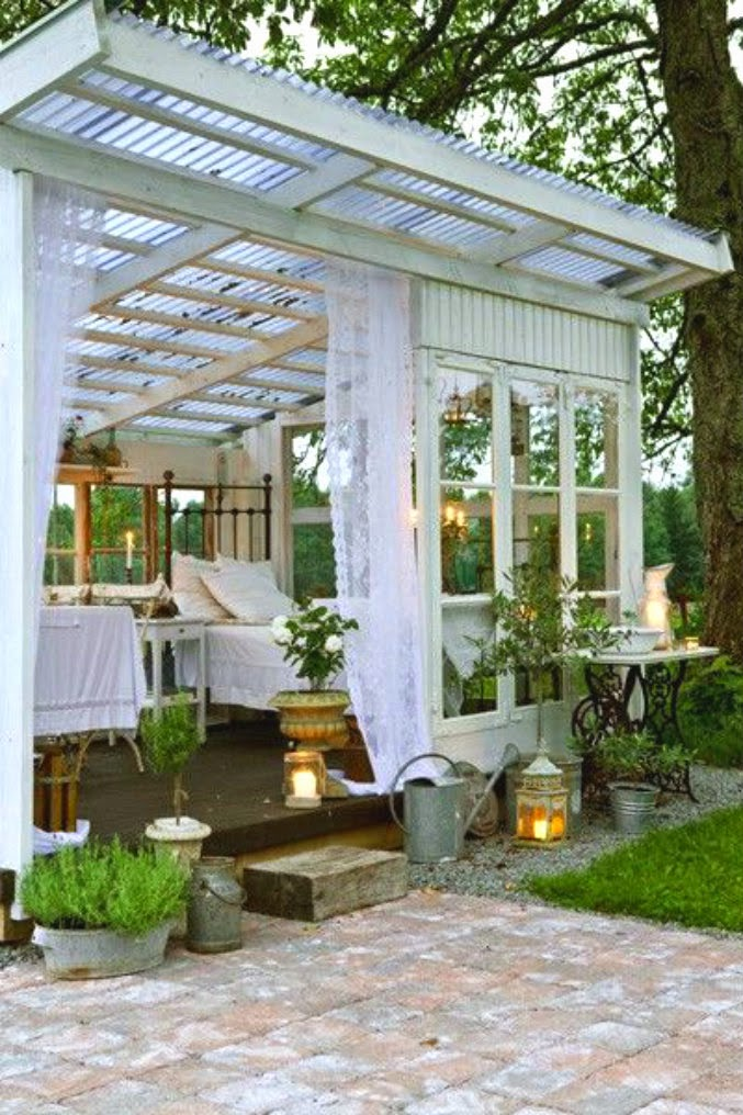 Ciao newport beach she sheds and zen dens for Bhg greenhouse