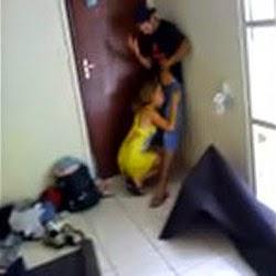 Esqueceu a janela Aberta e Foi Flagrada Pelo Primo - http://www.videosamadoresbrasileiros.com