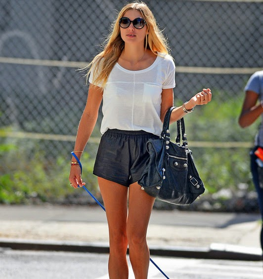 models-off-duty-jessica-hart