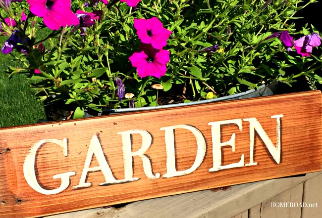 homeroad Distressed Outdoor Garden Sign
