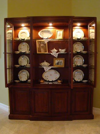 Making it too perfect day 22 clutter free dining room for Modern china cabinet display ideas