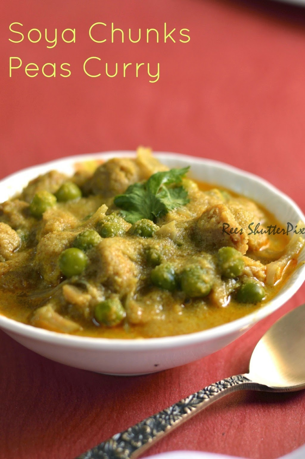 side dish for roti semi gravy soya chunks green peas curry