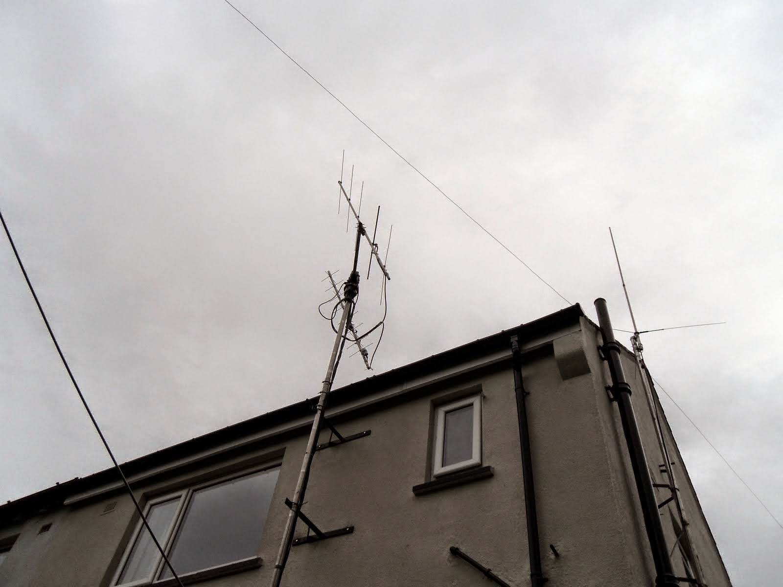 SAT%2BARRAY%252C%2BCW 80%2B%2B%2526%2BTri%2BBand%2BVertical Photo of 2m / 70cm satellite antenna. While I've made a point elsewhere that ...