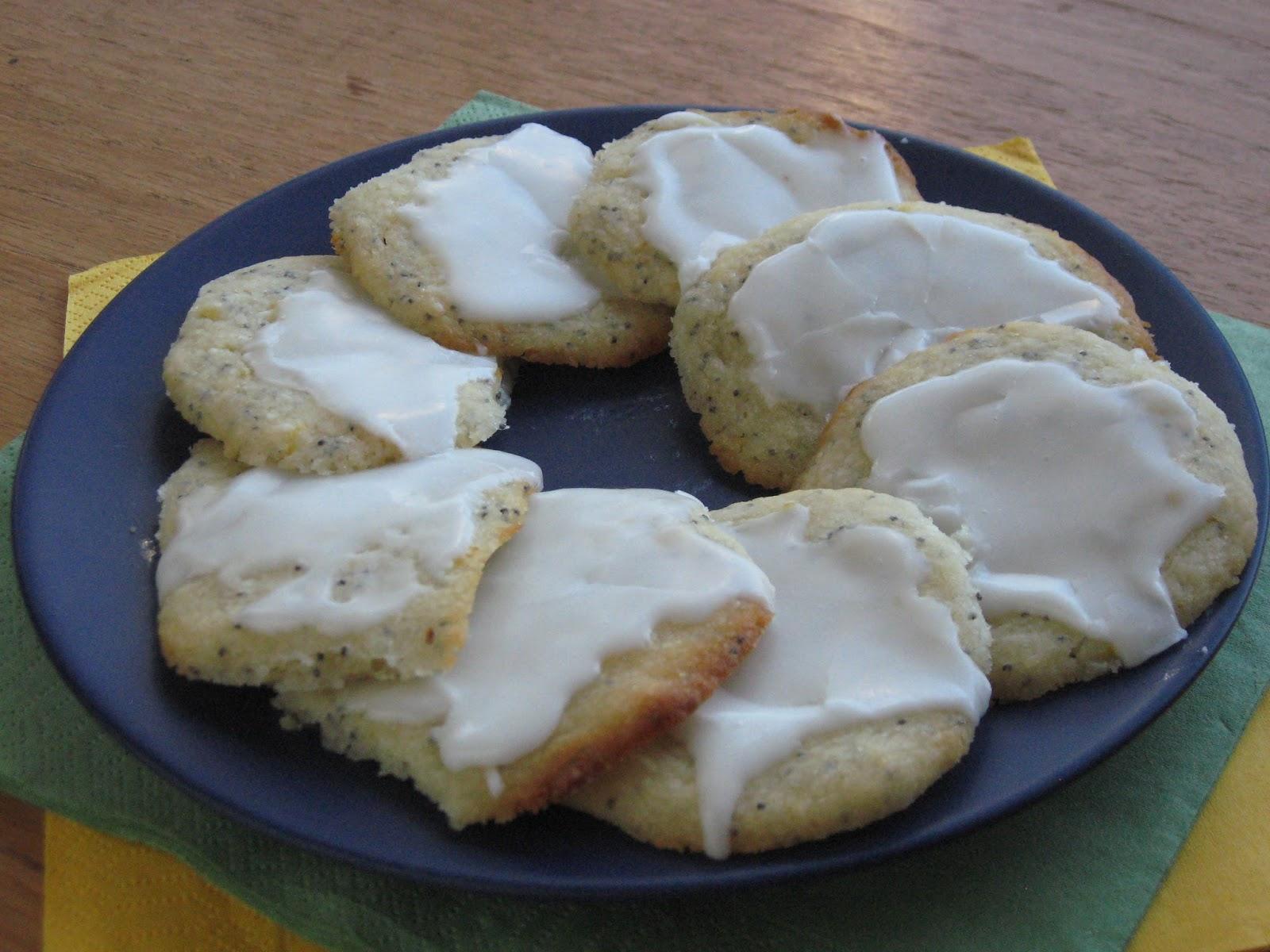 VeganForOne: Lemon Poppy Seed Cookies for One