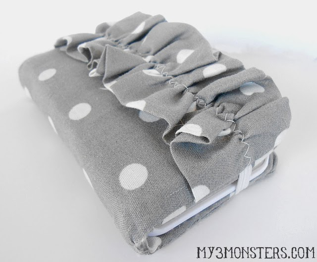 DIY Ruffled iPhone Wallet Tutorial at my3monsters.com