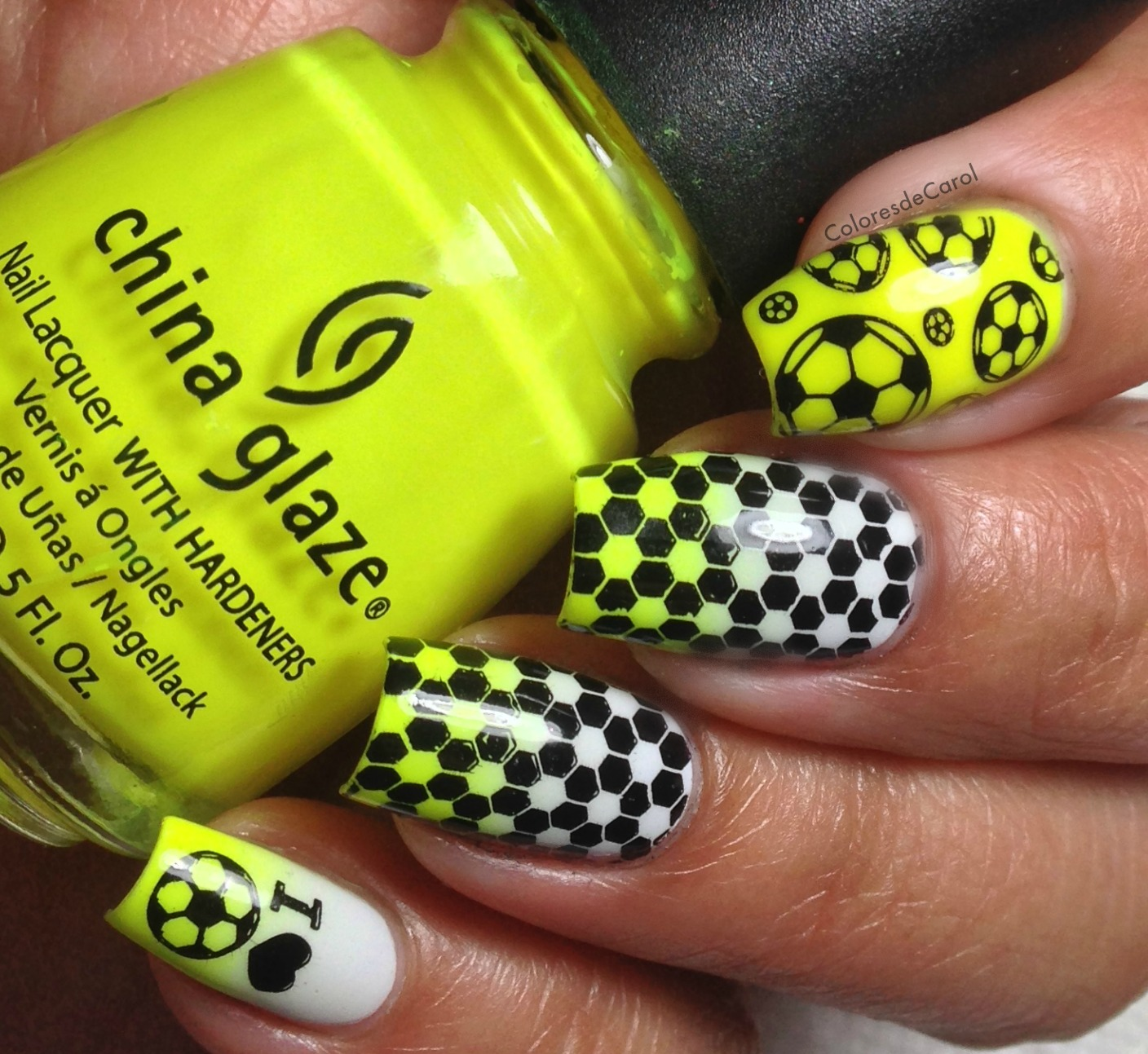 ... using the plate Soccer Mania I bought from Winstonia. I did a gradient  with OPI My Boyfriend Scales Walls and China Glaze Yellow Polka Dot Bikini. - Colores De Carol: Winstonia Nail Art Stamping Image Plate - Soccer