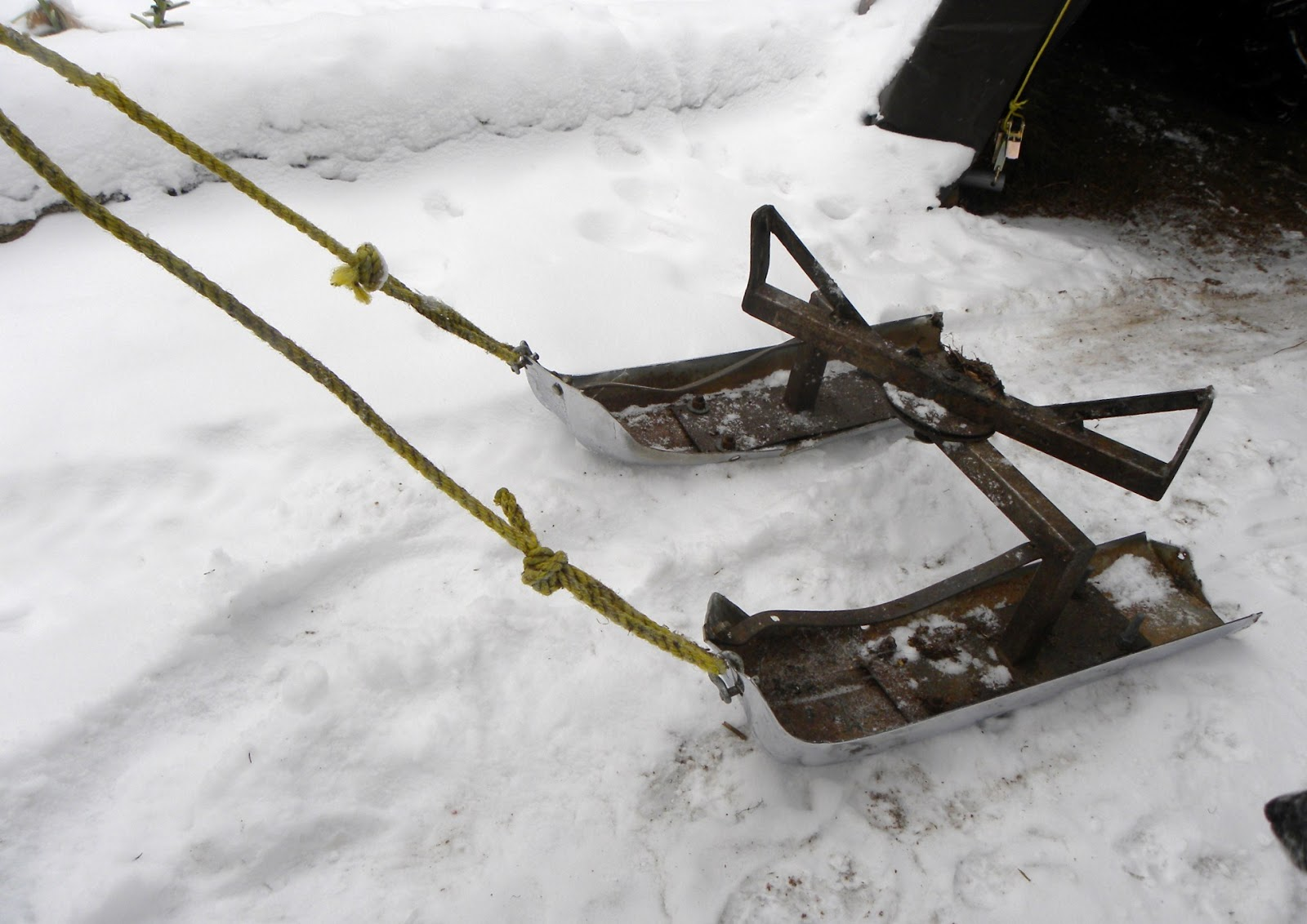 Logging Sled http://thehappytrappers2.blogspot.com/2012/11/log-sled-from-old-chrome-bumpers.html