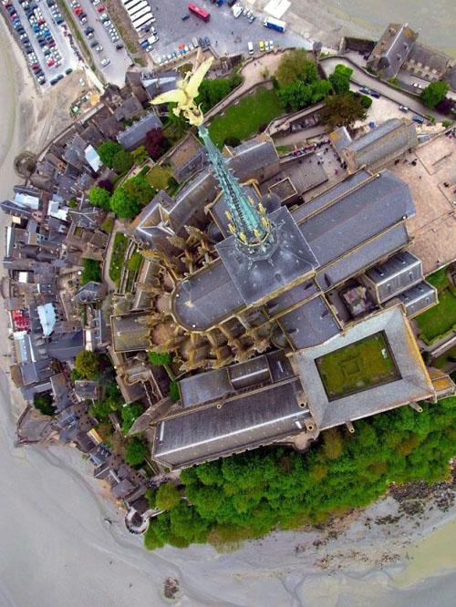 「カイト空中写真」は、未知のショットを撮影するために凧にカメラを固定し空中から撮る技術kapism未体験ゾーンの映像が撮れる。やってみよう!