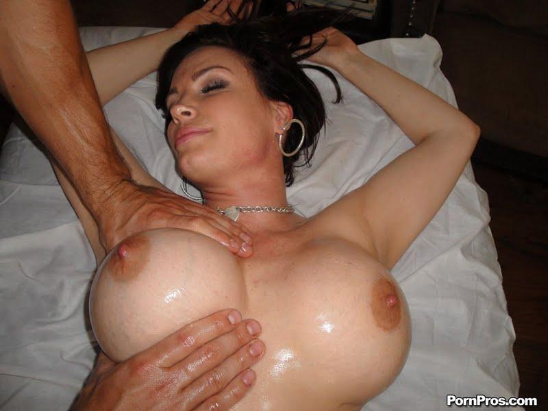 самые большие селиконовые сиськи порнофото