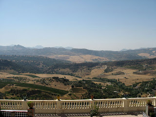 Wikipedian tarjoamia maisemia Rondasta