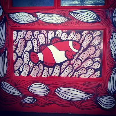 La esposa del embajador Puerta decoración ilustración pintura acrílica pez payaso