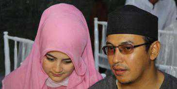 istri benarkan kecelakaan ustad jeffry al buchori 20130426072003 Kumpulan Foto Terakhir Uje Sebelum Ustadz Jeffry Al Buchori Wafat