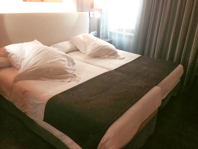 hotel_aroi_ponferrada_gisela_lopez_ordoñez_missdownpour_cama