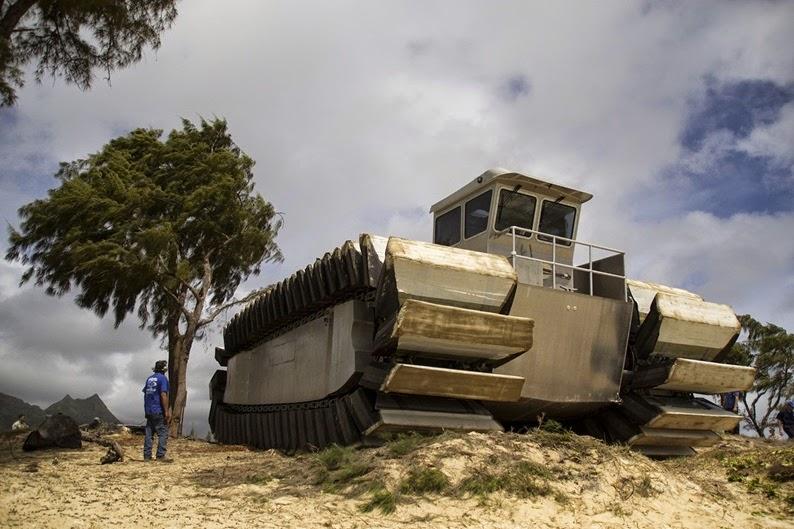 Incrível, protótipo de veículo anfíbio gigantesco [Ultra Heavy-lif Amphibious Connector]