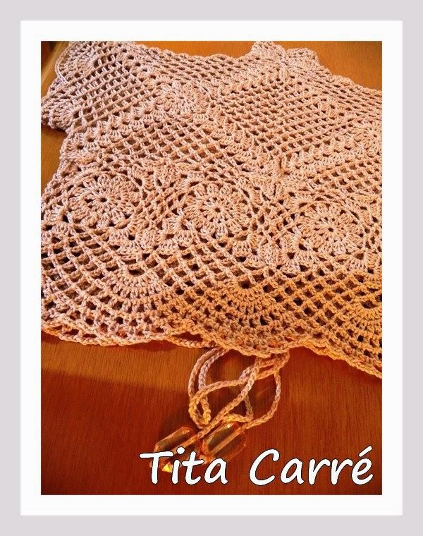 Bolero Bege em crochet com pedrarias