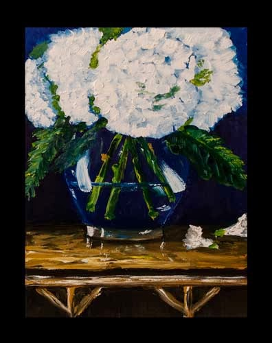 glass vase with white flowers
