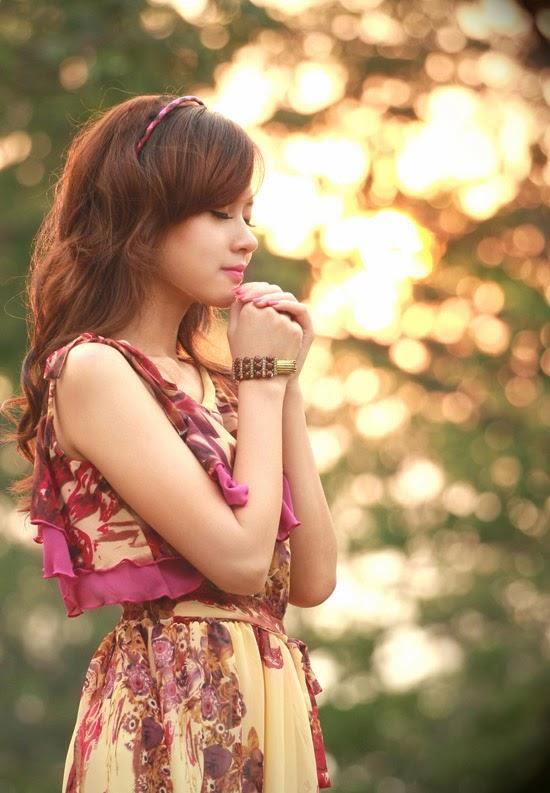 Ngắm hot girl Midu trong buổi chiều vàng