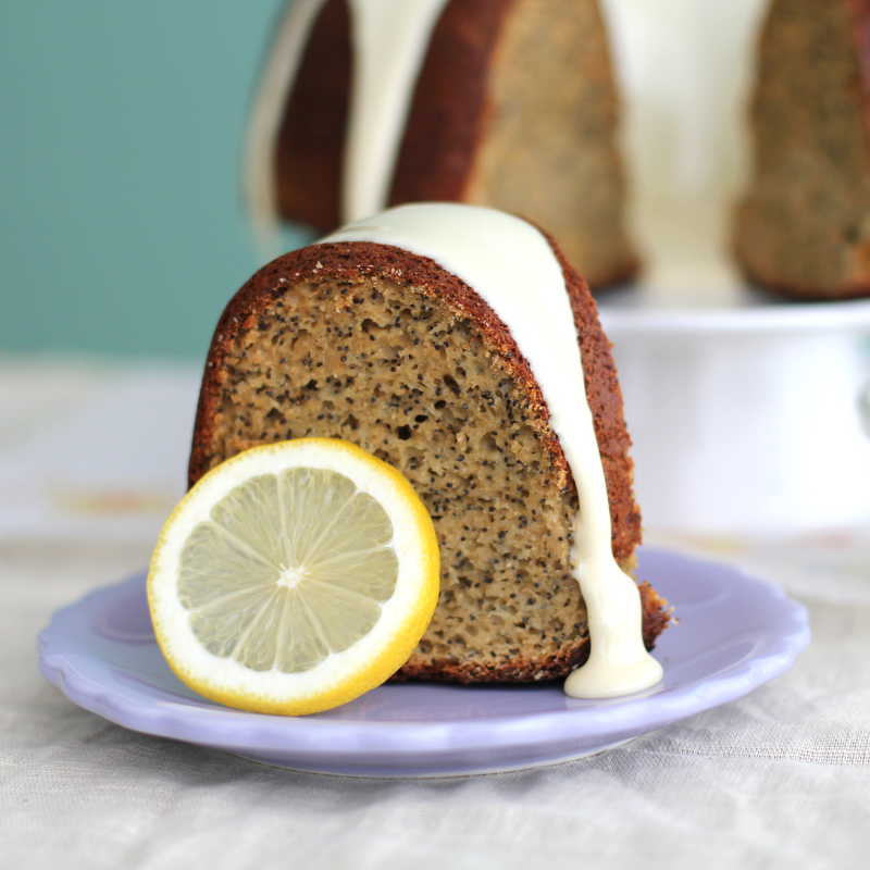 Chockohlawtay Lemon Poppyseed Cake Amp White Icing