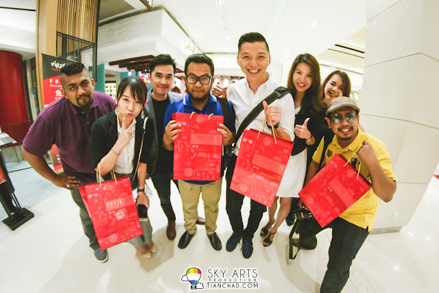 Posing with gifts from Pavilion KL #TCFisheye