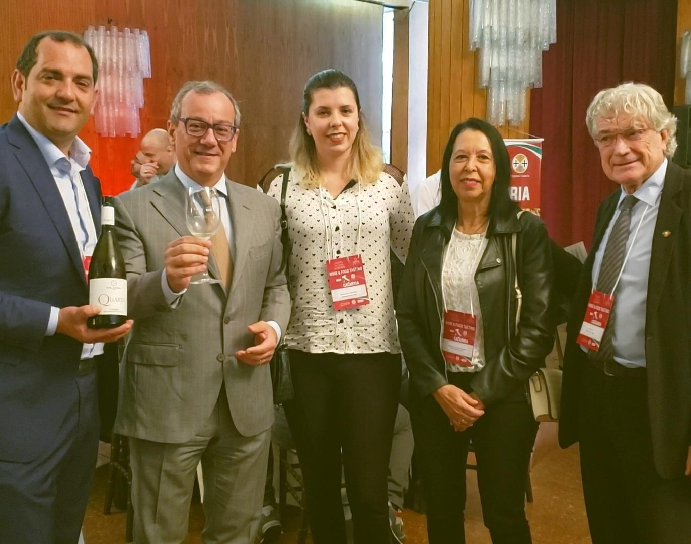Momento  Vinhos da Calábria com o Cônsul Geral da Itália Filippo La Rosa