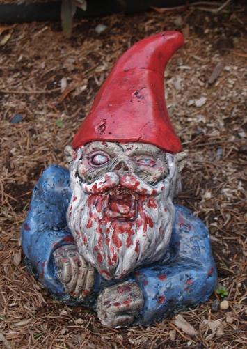 Nani da giardino dell 39 altro mondo zombie knowledge for La storia dei nani da giardino