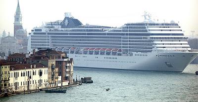El turismo hunde Venecia