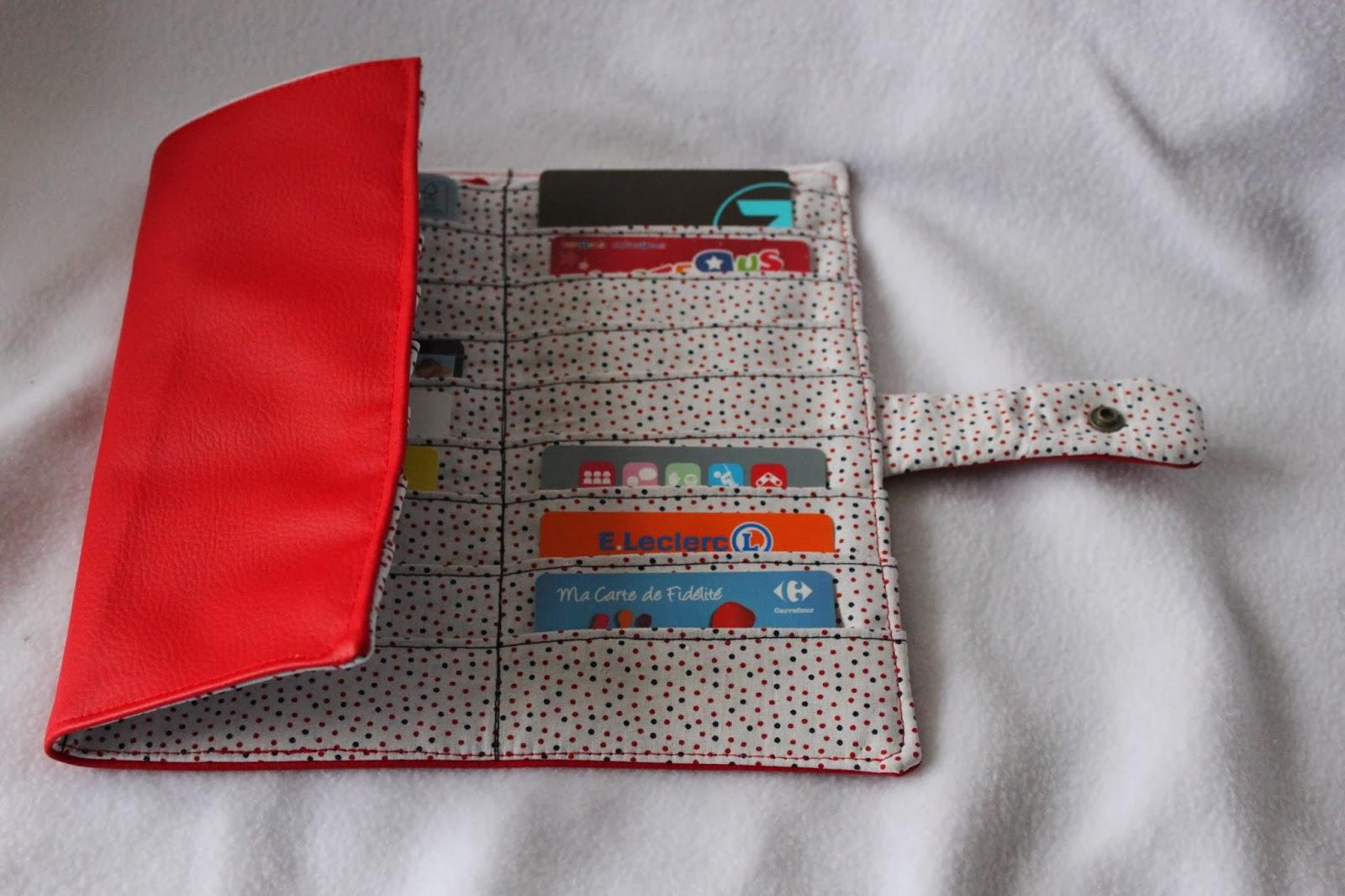 Miss bee little coud pour vos p 39 tits bouts porte cartes for Porte carte de fidelite