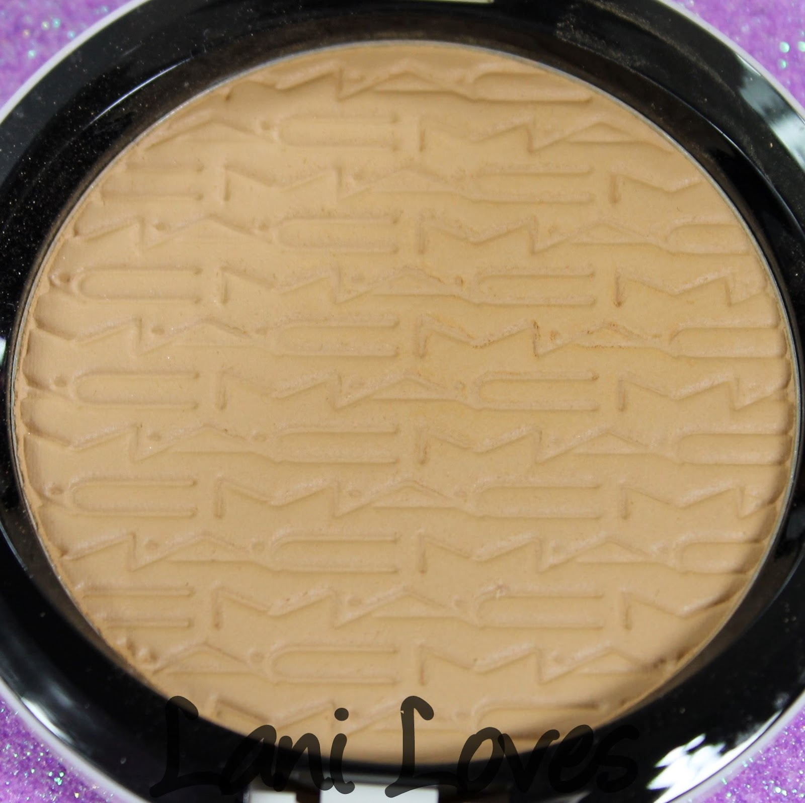 MAC Monday: Surf Baby - Gold-Go-Lightly Studio Careblend Pressed Powder Swatches & Review