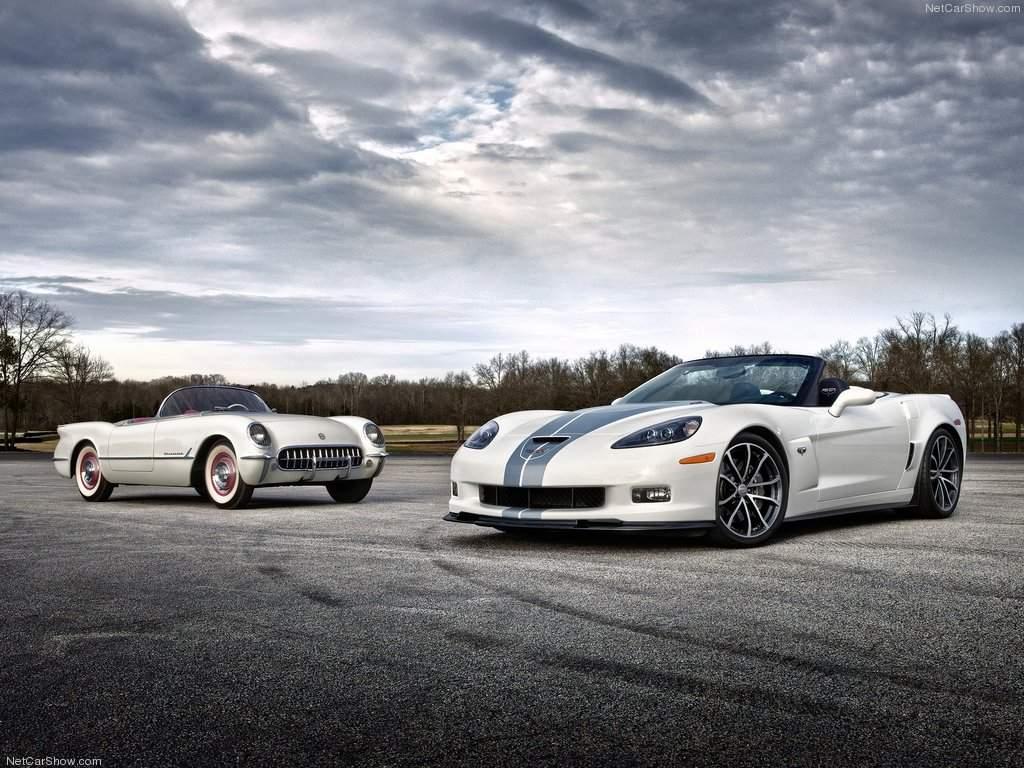http://4.bp.blogspot.com/-VoI7aIhZPBg/TyREK7KW2xI/AAAAAAAAIXQ/DysFMQLI_CQ/s1600/Chevrolet-Corvette_427_Convertible_2013_and_classic_Corvette.jpg