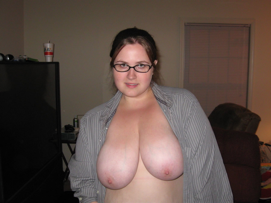 naked boobs chubby amateur wife