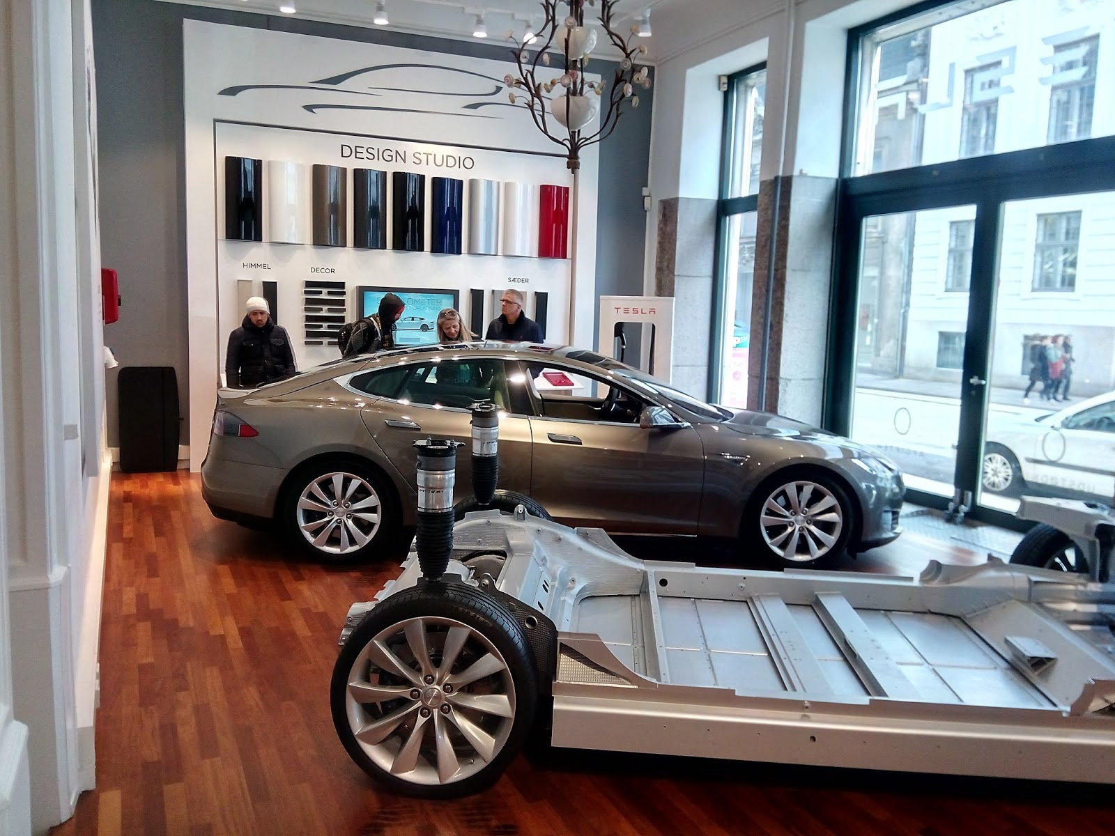 Porsche 914e electric conversion and tesla obsession tesla copenhagen denmark showroom and - Hoo showroom ...