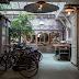 El universo de espejos de Anouk Beerents en Amsterdam