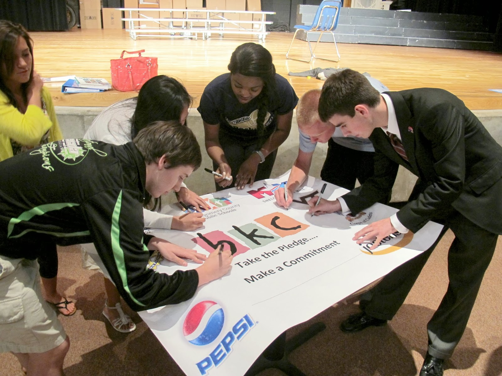 Collaborative Learning Outside Classroom : Centro de asesorias tutorias e investigación en línea