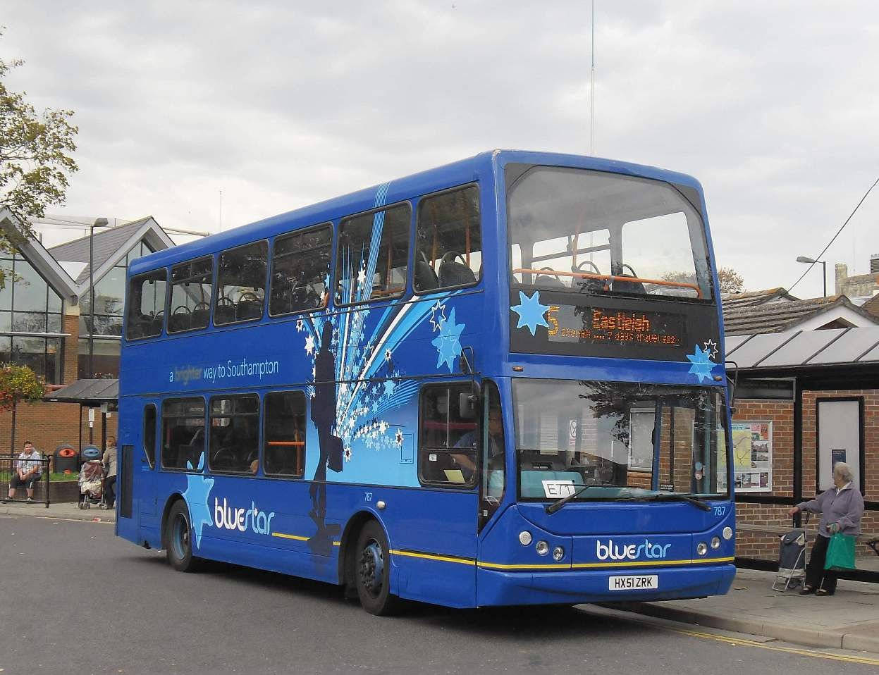 Southern England Bus Scene: October 2011