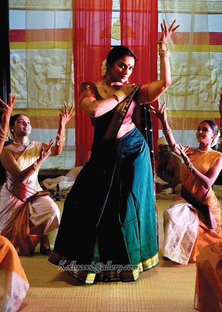 http://4.bp.blogspot.com/-Vom_qWEc30k/TowfnM8l66I/AAAAAAAABIk/Hrjy18xa2qM/s1600/swetha+menon-in-aravaan-movie-hot-stills.jpg