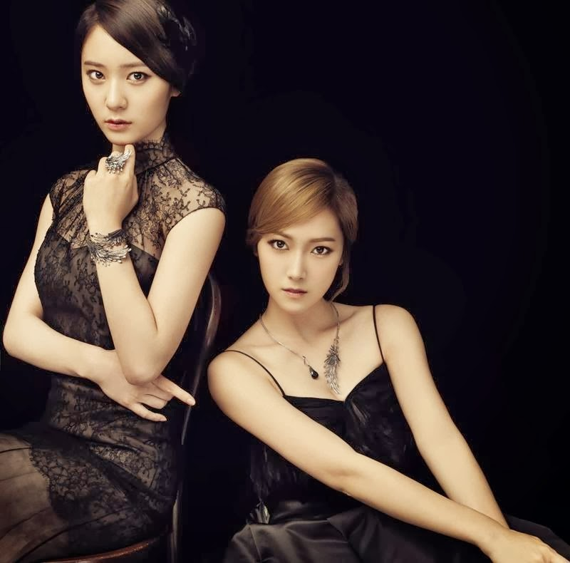 [Pictures] 130927 Jessica and Krystal for STONEHENgE 'The ...