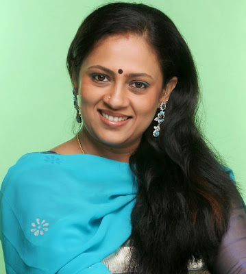 Tamil Actress Lakshmi Ramakrishnan hot photos,Tamil Aunty Actress