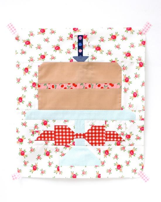 http://4.bp.blogspot.com/-VpCiqU9G9pc/VDZG54BvoqI/AAAAAAAAEqQ/Otr-Vz85pyA/s1600/Quilty_Fun_Book_Cake_quilt_pattern.jpg
